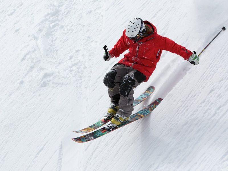 Białe narciarskie szaleństwo