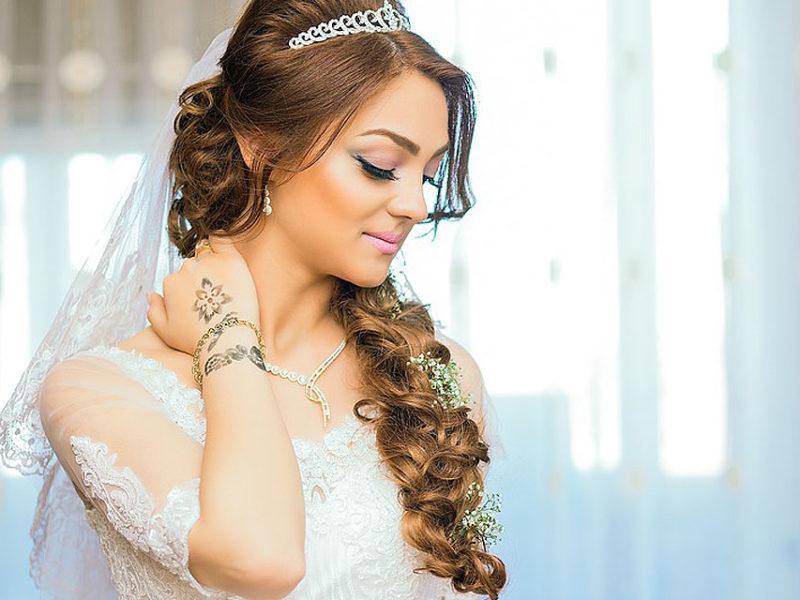 Jak dopasować makijaż na ślub?
